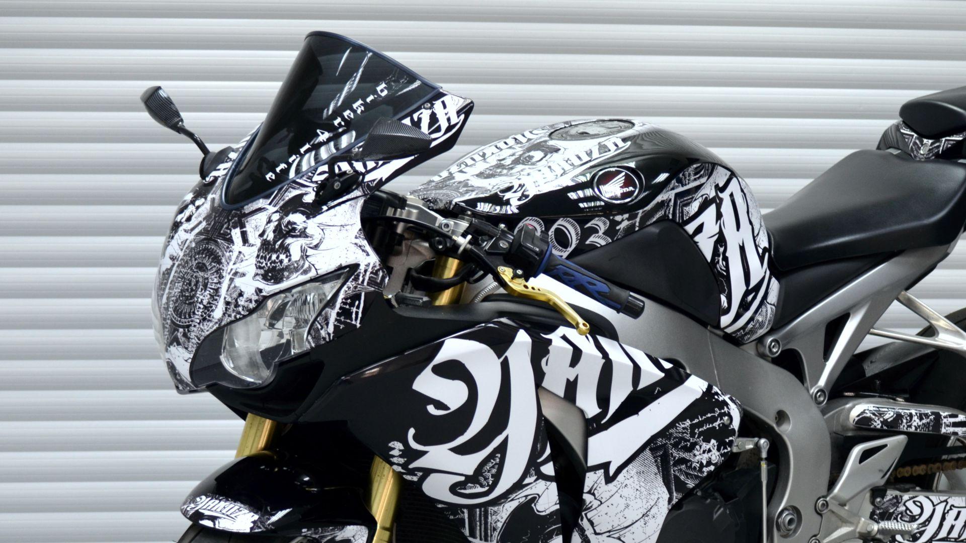 Honda Cbr 1000 Rr Black Yakuza Dsg Folierung 4moto Individuelle Motorradaufkleber Bikedekore Wheelskinzz